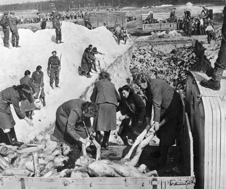 二战女人集中营图,德国妇女二战死亡图片 7
